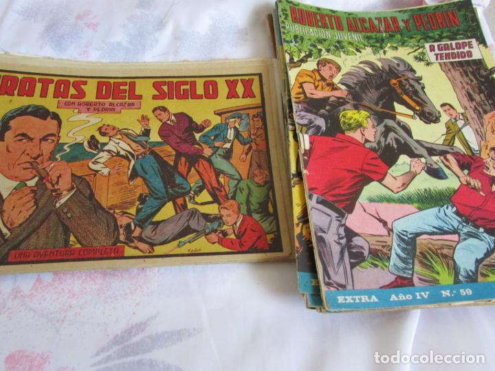 LOTE ROBERTO ALCAZAR Y PEDRIN EXTRA ALMANAQUE 1966 (Tebeos y Comics - Valenciana - Roberto Alcázar y Pedrín)