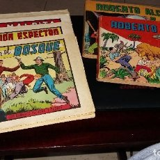 Tebeos: 12 COMICS ROBERTO ALCAZAR Y PEDRIN, 10 PAPEL TAPA BLANDA, 2 TOMOS. Lote 156548562