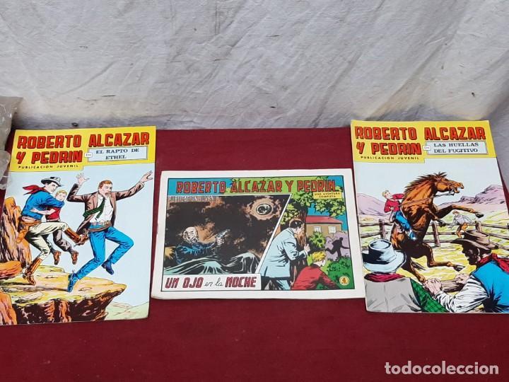 3 TEBEOS ROBERTO ALCAZAR Y PEDRIN..Nº 132, 133 (1978) Y 1105 (1973) (Tebeos y Comics - Valenciana - Roberto Alcázar y Pedrín)
