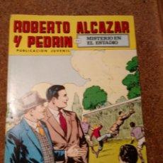 Tebeos: COMIC DE ROBERTO ALCAZAR Y PEDRIN EN MISTERIO EN EL ESTADIO Nº 155. Lote 221735293
