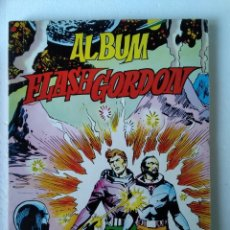 Tebeos: ALBUM FLASH GORDON 2 NUMEROS 27, 28, 29, Y 30. Lote 221812443