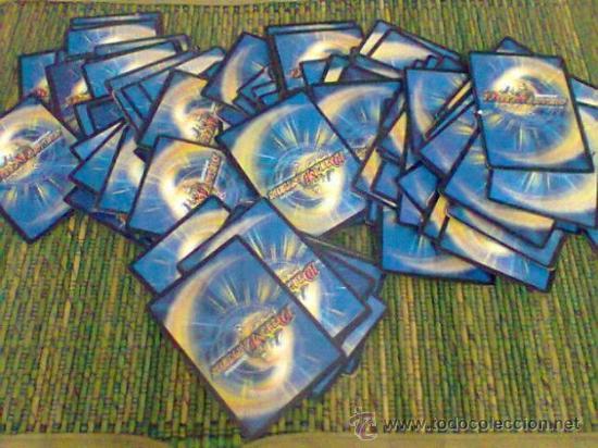 LOTE DE 88 CROMOS DUEL MASTERS TRADING CARD GAME, TAMBIÈN SUELTOS (Coleccionismo - Cromos y Álbumes - Trading Cards)