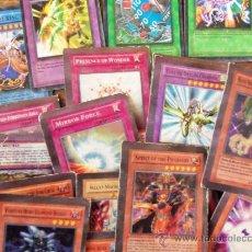 Trading Cards: BUEN LOTE DE YU GI KONAMI MINIATURA EN INGLES - 1996 INCLUYE SPELL, TRAPS, Y EFFECTS. Lote 36771635