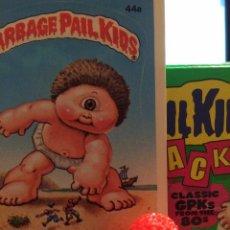 Trading Cards: GARBAGE PAIL KIDS - LA PANDILLA BASURA - MINIKINS - SY CLOPS (ROJO). Lote 54951874