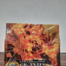 Trading Cards: CAJA COMPLETA FANTASY RIDERS: LA INVASION DE LOS GIGANTES - CONTIENE 50 SOBRES (PRECINTADA). Lote 224299006