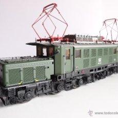 Trains Échelle: KISS SPUR0 E194 ESCALA 0 LOCOMOTORA ELECTRICA AEG E194 053-5 DB COCODRILO ALEMAN 100% METAL SPUR 0. Lote 40047691