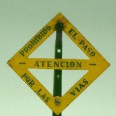 Trenes Escala: SEÑAL TREN ATENCIÓN PAYA ESCALA 0 AÑOS 50. Lote 40018152