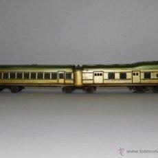 Trenes Escala: TREN PAYA ANTIGUO ,58 CM DE LARGO , SEÑALES DE USO, VER FOTOGRAFIAS ADICIONALES. Lote 50498584