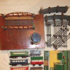 Trenes Escala: GRAN LOTE TREN PAYA - ESCALA 0 MOD. 987 - MUCHOS ACCESORIOS - CIRCA 1950. Lote 54123791