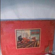 Trenes Escala: GOODS TRAIN SET MADE IN ENGLAND ESCALA 0 TREN ANTIGUO 1930 A CUERDA, JUGUETE ANTIGUO, FUNCIONA. Lote 57042441