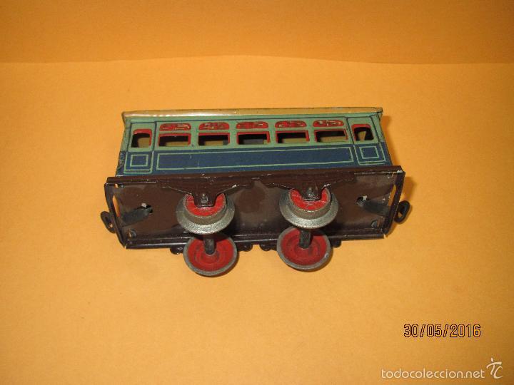 Trenes Escala: Antiguo Coche de Viajeros en Hojalata Litografiada Escala *0* de PAYÁ en Original. - Foto 3 - 57166571