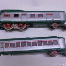 Trenes Escala: ANTIGUO TREN ELECTRICO PAYA ( AÑOS 40) TALGO.LOCOMOTORA Y VAGON.HOJALATA,VENTANAS DE CRISTAL. Lote 57592037
