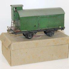 Trenes Escala: ANTIGUO VAGÓN DE CARGA. METAL Y MADERA. PINTADO A MANO. MANAMO. CIRCA 1940.. Lote 68455405