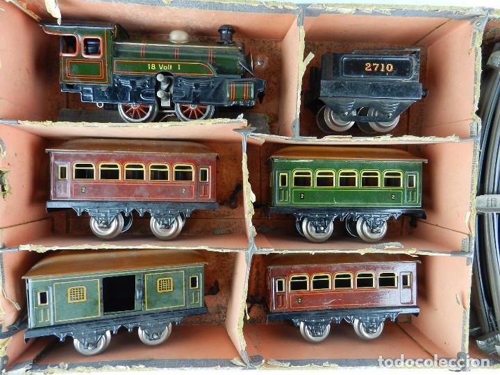 Trenes Escala: TREN BING ESCALA O, MADE IN GERMANY, REALIZADO EN HOJALATA LITOGRAFIADA, MUY COMPLETO CON SUS VAGONE - Foto 2 - 80829795