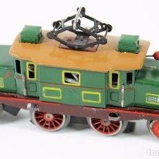 Trenes Escala: LOCOMOTORA ELECTRICA COCODRILO. HOJALATA. ESC 0. PAYA. ESPAÑA. CIRCA 1950.. Lote 89744288