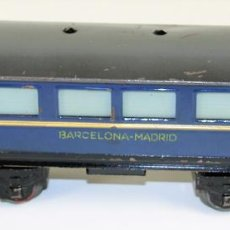Trenes Escala: VAGÓN DE PASAJEROS BARCELONA-MADRID. HOJALATA. REF C.32. ELECTROTREN. ESCALA 0. ESPAÑA. CIRCA 1950.. Lote 89838376