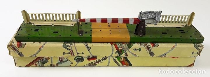 Trenes Escala: LOTE DE 4 PIEZAS CONSTRUCCIÓN. HOJALATA. ESCALA 0. PAYA. ESPAÑA. CIRCA 1950. - Foto 4 - 90333052