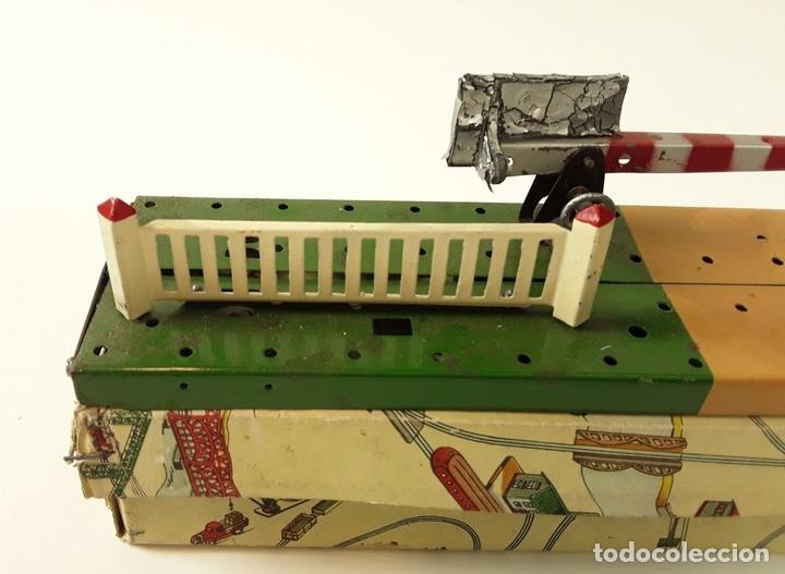 Trenes Escala: LOTE DE 4 PIEZAS CONSTRUCCIÓN. HOJALATA. ESCALA 0. PAYA. ESPAÑA. CIRCA 1950. - Foto 6 - 90333052