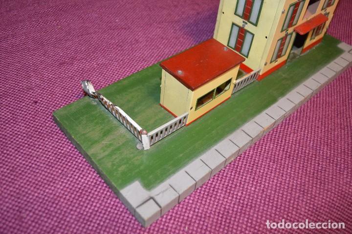 Trenes Escala: ANTIGUA ESTACIÓN DE TREN PAYA ESCALA 0 hojalata y madera -- AÑOS 50 -- REF. 1260 -- ESCUCHO OFERTAS - Foto 4 - 94815923