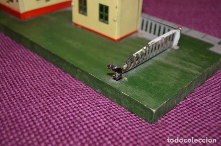 Trenes Escala: ANTIGUA ESTACIÓN DE TREN PAYA ESCALA 0 hojalata y madera -- AÑOS 50 -- REF. 1260 -- ESCUCHO OFERTAS - Foto 8 - 94815923