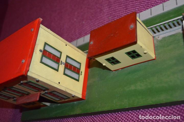 Trenes Escala: ANTIGUA ESTACIÓN DE TREN PAYA ESCALA 0 hojalata y madera -- AÑOS 50 -- REF. 1260 -- ESCUCHO OFERTAS - Foto 11 - 94815923