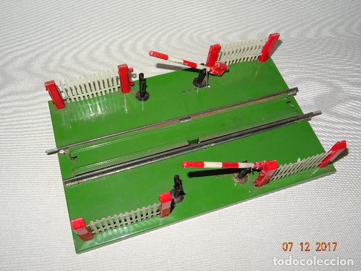 Trenes Escala: Antiguo Paso a Nivel con Barreras para Trenes en Escala *0* de Juguetes RICO - Foto 6 - 105576223