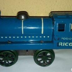 Trenes Escala: RICO. LOCOMOTORA 1000. A CUERDA. NUEVA SIN USAR! NO PAYA. Lote 121571556