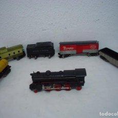 Trenes Escala: TREN LOCOMOTORA Y VAGONES SAKAI . Lote 124452515