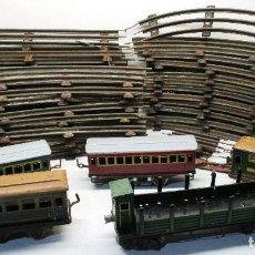 Trenes Escala: TREN ESCALA 0, 5 VAGONES Y VIAS, PAYA Y RICO. Lote 128650011