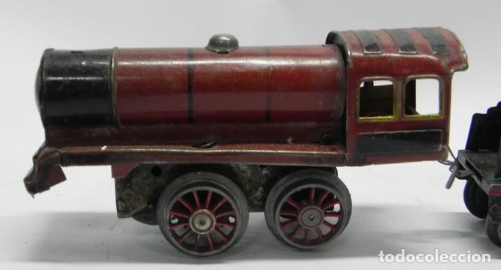 Trenes Escala: Antigua Locomotora a Cuerda en Hojalata Litografiada de Juguetes PAYÁ, IBI, Años 30. La cuerda funci - Foto 2 - 133816522