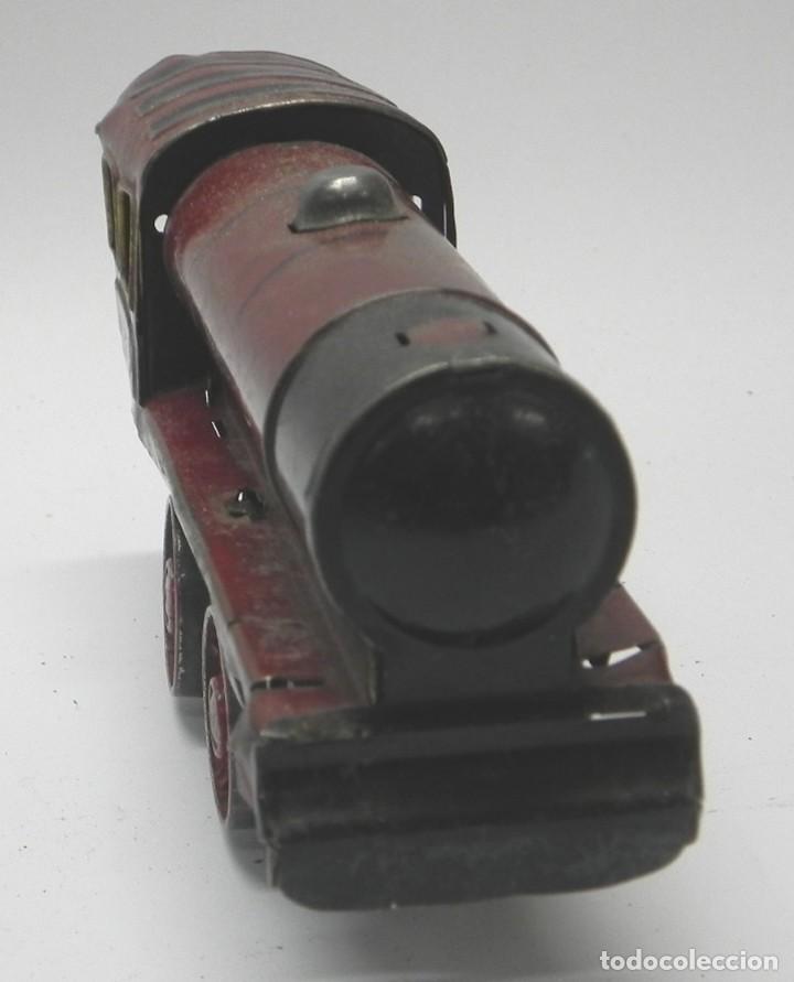 Trenes Escala: Antigua Locomotora a Cuerda en Hojalata Litografiada de Juguetes PAYÁ, IBI, Años 30. La cuerda funci - Foto 6 - 133816522