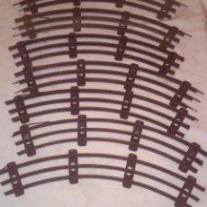 Trenes Escala: VIAS CURVAS DE TREN ESCALA 0 (SIN APARENTE MARCA DE FABRICANTE). Lote 150981098