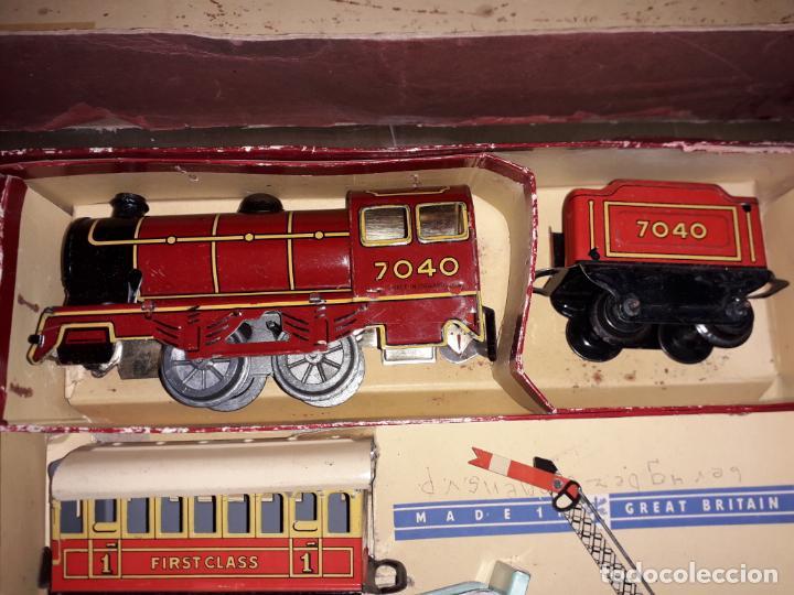 Trenes Escala: TREN BRIMTOY MADE IN ENGLAND 1930, TREN ANTIGUO, TREN A CUERDA,JUGUETE ANTIGUO - Foto 13 - 158913982