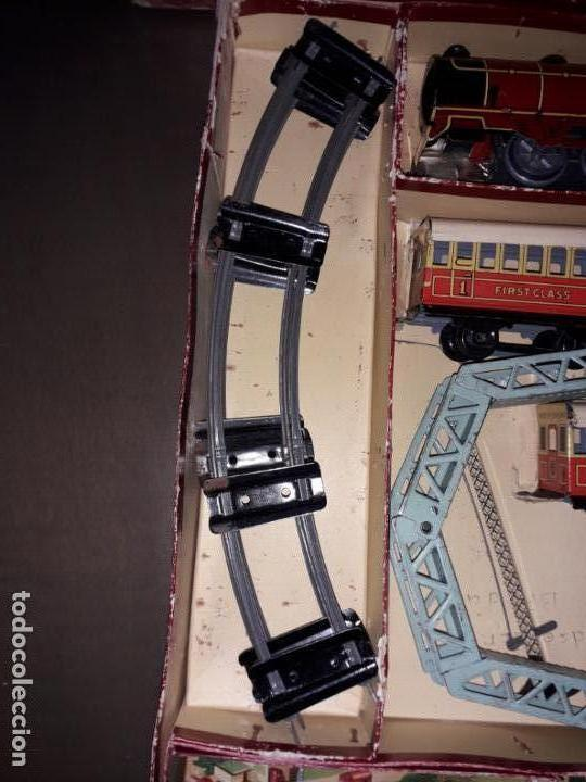 Trenes Escala: TREN BRIMTOY MADE IN ENGLAND 1930, TREN ANTIGUO, TREN A CUERDA,JUGUETE ANTIGUO - Foto 16 - 158913982