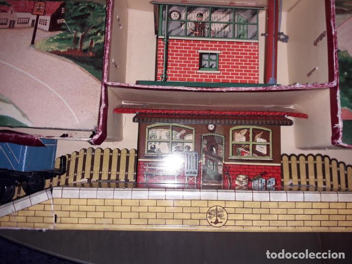 Trenes Escala: TREN BRIMTOY MADE IN ENGLAND 1930, TREN ANTIGUO, TREN A CUERDA,JUGUETE ANTIGUO - Foto 20 - 158913982
