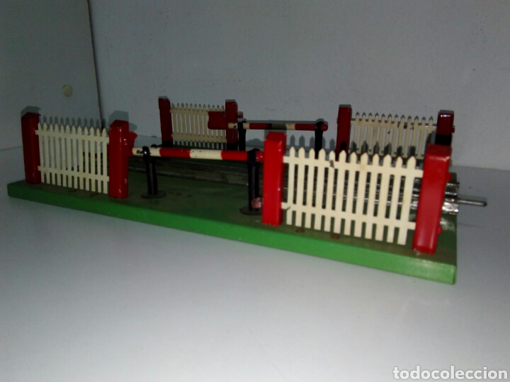 Trenes Escala: Paso a nivel tren rico vias escala 0 - Foto 2 - 163972516