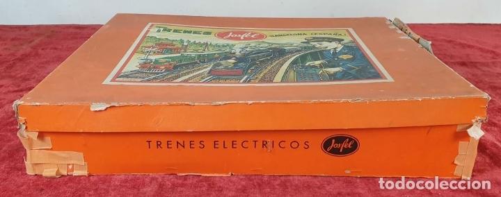Trenes Escala: TREN ELECTRICO JOSFEL. LOCOMOTORA Y 5 VAGONES. HOJALATA. ESCALA O. CIRCA 1950. - Foto 15 - 175562377