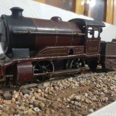 Trenes Escala: LOCOMOTORA Y TENDER HORNBY A CUERDA, ESCALA 0. Lote 178305320