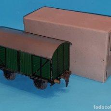 Trenes Escala: VAGON CUBIERTO DE JOSFEL, EN CAJA ORIGINAL. ESCALA 0.. Lote 181629347