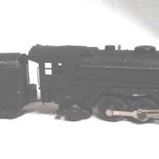 Trenes Escala: LOCOMOTORA SANTA FÉ Y VAGÓN CARBONERA NEW YORK CENTRAL ESCALA 0. Lote 186415470