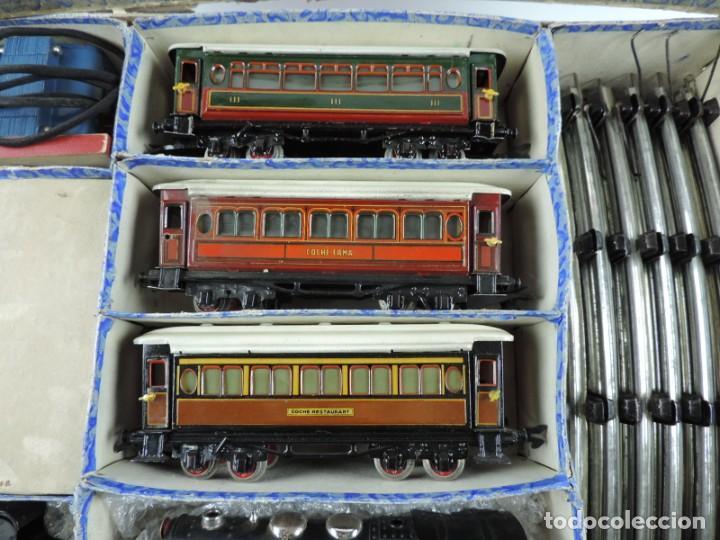 Trenes Escala: CAJA COMPLETA CON TREN ELECTRICO DE PAYA, LOCOMOTORA REF. 987 ESCALA 0, CON TRES VAGONES DE PASAJERO - Foto 3 - 187588446