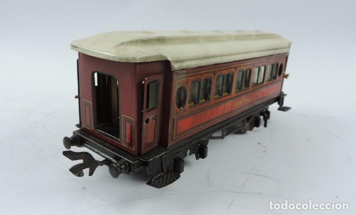 Trenes Escala: CAJA COMPLETA CON TREN ELECTRICO DE PAYA, LOCOMOTORA REF. 987 ESCALA 0, CON TRES VAGONES DE PASAJERO - Foto 11 - 187588446