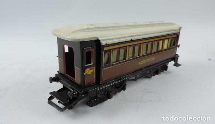 Trenes Escala: CAJA COMPLETA CON TREN ELECTRICO DE PAYA, LOCOMOTORA REF. 987 ESCALA 0, CON TRES VAGONES DE PASAJERO - Foto 17 - 187588446