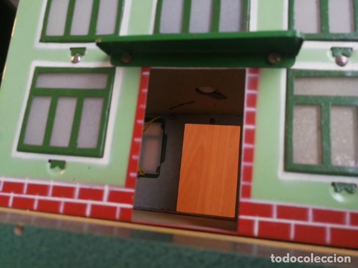Trenes Escala: ESTACION HOJALATA PAYA, REF. 1261,TREN TRENES 0 CON LUZ ELECTRICA BASE DE MADERA AÑOS 50 - Foto 11 - 192557281