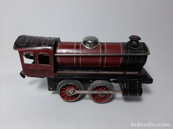 Trenes Escala: PAYA, MAQUINA 896 ROJA, A CUERDA, EL MOTOR FUNCIONA - Foto 2 - 194590297