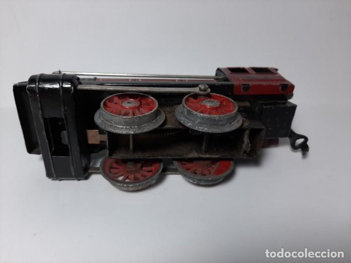 Trenes Escala: PAYA, MAQUINA 896 ROJA, A CUERDA, EL MOTOR FUNCIONA - Foto 4 - 194590297