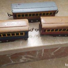 Trenes Escala: 3 VAGONES DE PAYA ESCALA 0 SIN RUEDAS. Lote 199914800