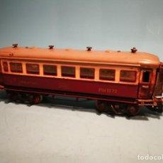 Trenes Escala: VAGÓN PASAJEROS PAYA BOGIES CON LUZ. Lote 202710145