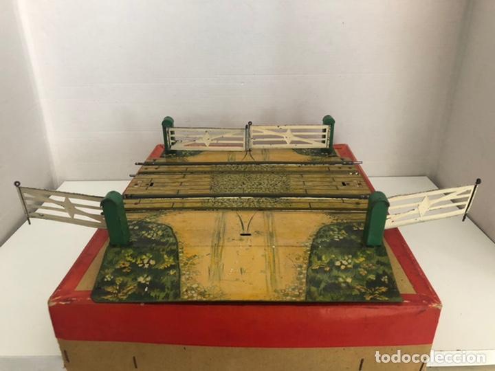 Trenes Escala: Paso a nivel doble de Hornby con diorama y caja - Foto 3 - 207198843