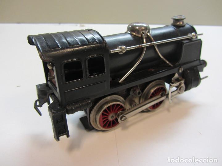 Trenes Escala: Tren eléctrico Payá. Años 40 aprox. En caja original. Locomotora y 4 vagones. No probado 125v. - Foto 6 - 251035665